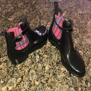 Gioseppo Black Ankle Rain boot Red plaid sz 39